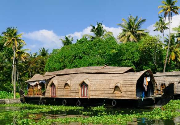 Enjoy homey houseboat stay in the backwaters of Kumarakom