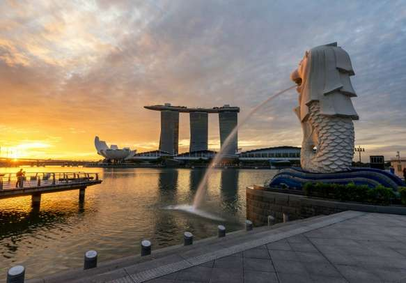 The famous Merlion statue in all its glory.