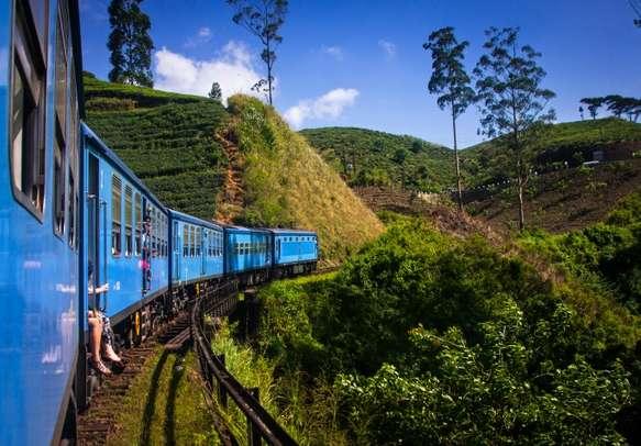 Train from Nuwara Eliya to Kandy