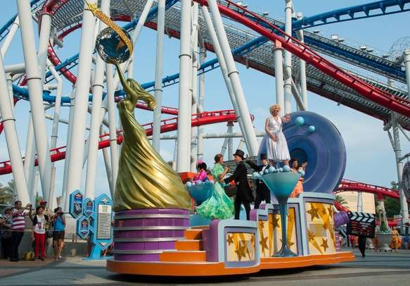 Hollywood film stars float in Hollywood Dreams Parade Universal Studios