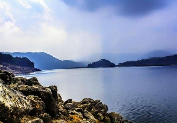 Enjoy panoramic views surrounding Umiam Lake