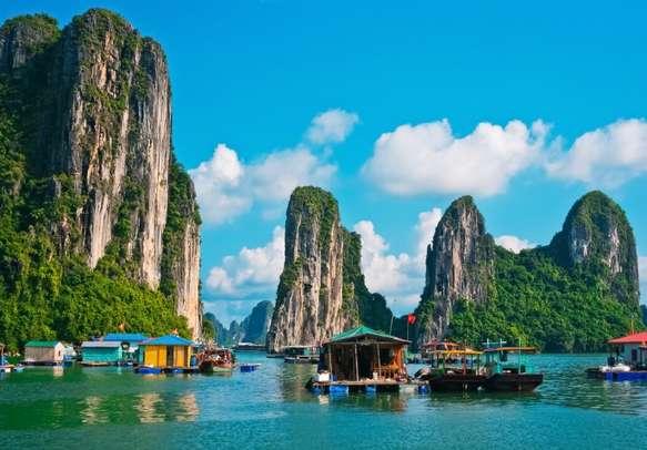 Floating fishing village