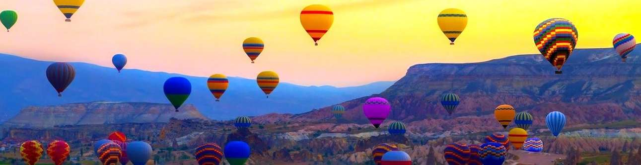 Indulge in a hot air balloon ride in Jaipur to enjoy mind blowing views of the city's landscapes