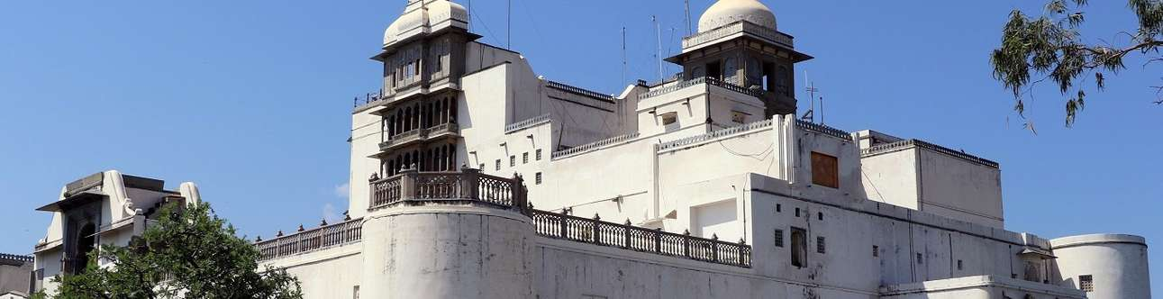Visit the Monsoon Palace in Udaipur on this holiday itinerary.