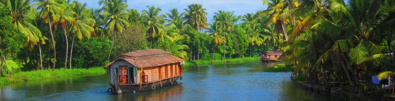 Make memories on a scenic Kerala backwater bruise