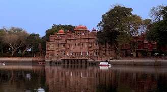 Gajner Palaces offers you astounding views