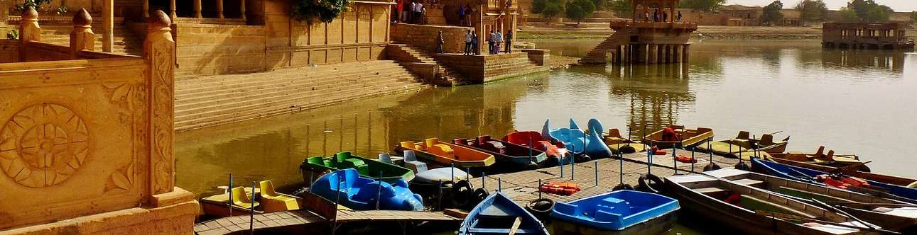 Experience boating in Gadisar Lake