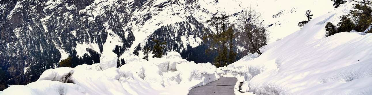 Mesmerizing view of Rohtang Pass in Manali