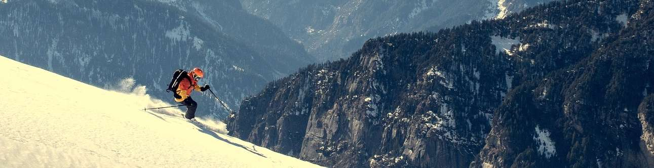 Experience the thrill of paragliding in Manali