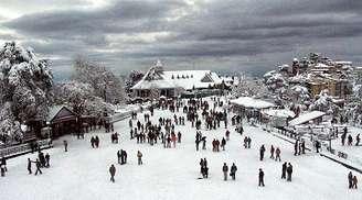 Adventurous ice skating in Shimla