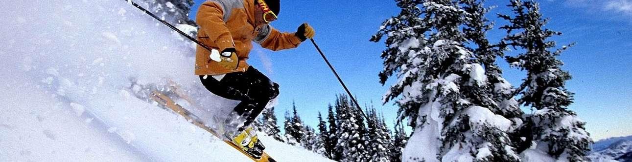 Adventurous skiing in Kufri