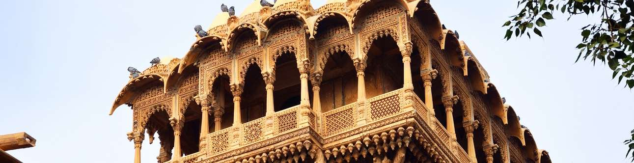 Visit Salim Singh ki Haveli for a tryst with history