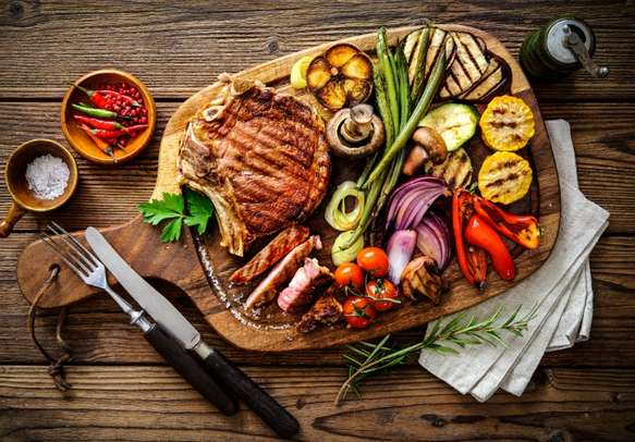 Grilled delicacies and seasoning