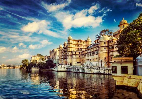 Delight in the grace & glamor of Rajasthan