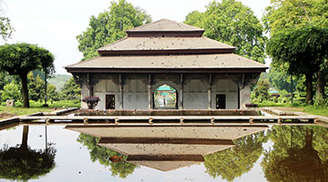 Shalimar Bagh is one of the most serene and exquisite places to visit in Kashmir