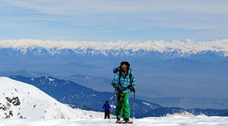 Try Skiing in Kashmir