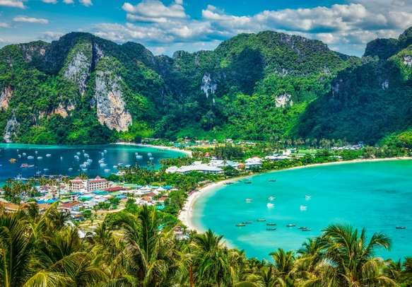 Behold the ethereal and idyllic beauty of Phi Phi Island on a day tour