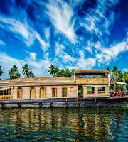 Amazing Kumarakom Houseboat Package