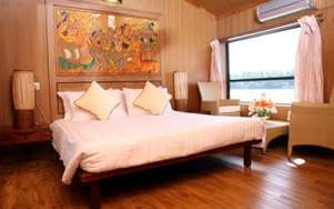 Ac Luxury Houseboat