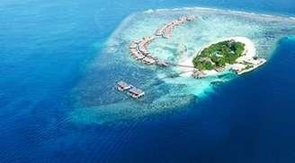 Enjoy island hopping in Maldives