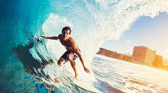 Enjoy a great surfing experience in Maldives