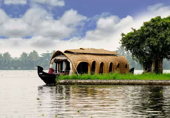Kerala backwaters in all its glory add a magical touch to your Kerala holiday