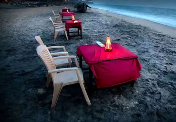 Beachside dinner in Andaman is a perfectly romantic idea