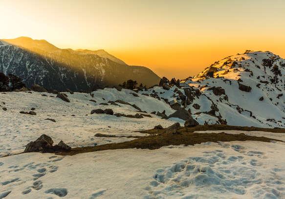 Soak in the beauty of fierce mountains of Shimla