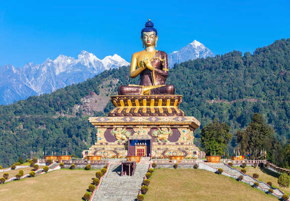 Beautiful Pelling city is calling you