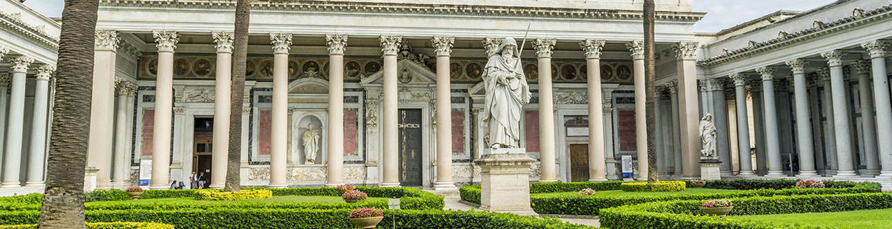 Enjoy the grand tour of the churches in Rome