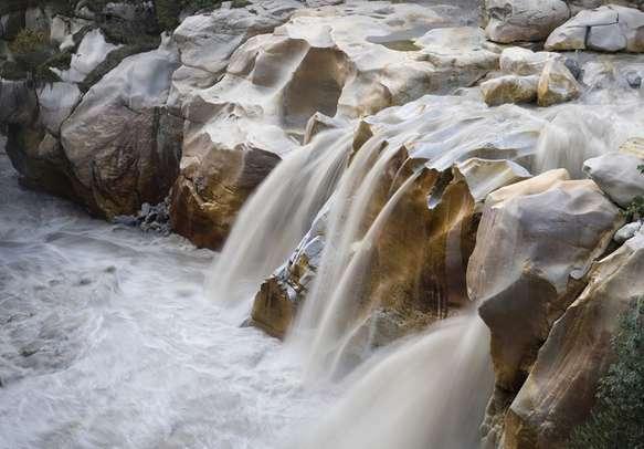 The gushing Gaurikund Falls