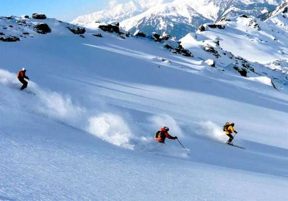 Have a chilled vacation in Auli