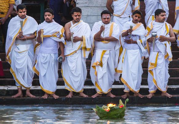 Feel the vibrant and auspicious aura of Haridwar