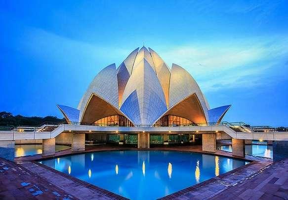 The breathtaking Lotus Temple