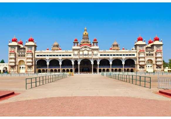Amazing Mysore Palace in Mysore