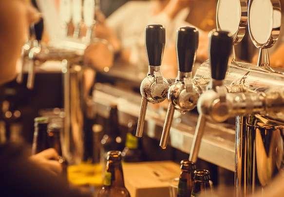 Enjoy the pub crawl in Prague