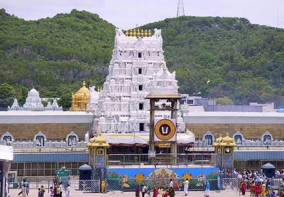 Experience the holy vibe at Venkateswara temple
