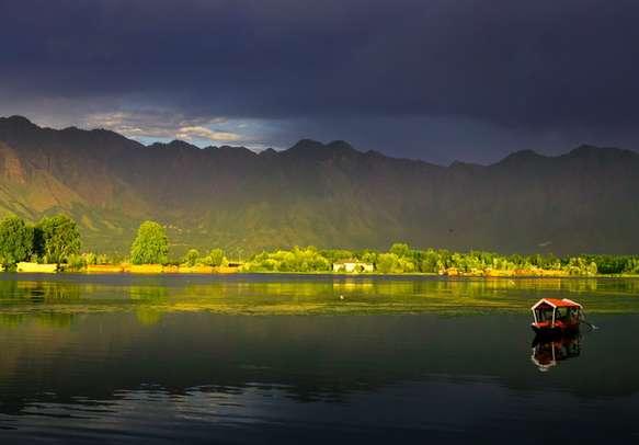Wonder view of Dal lake