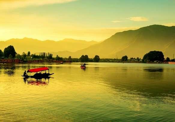 Shikara ride in Dal Lake