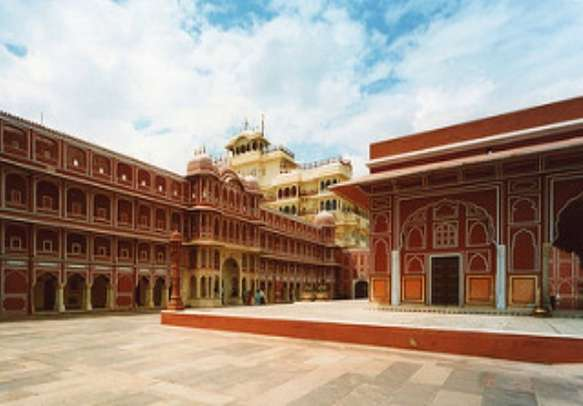 Visit this famous tourist attraction of Rajasthan