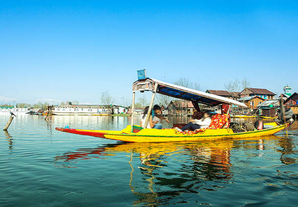 Numerous shikaras ready to take tourists for a ride in the Dal Lake