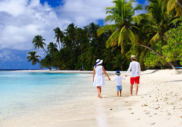 Go for a beach tour with family during the lesiure