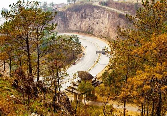 Let the spellbinding scenery of Shillong overwhelm you