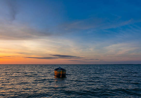 Witness the beautiful sight of the endless waters in Rameshwaram