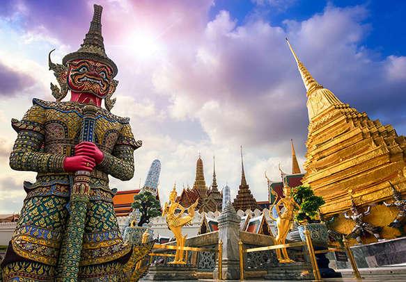Enjoy the sightseeing in Bangkok