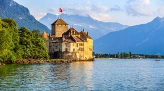Be prepared to be overwhelmed by the beauty of Chillon Castle