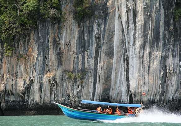 Marvel at the scenery of Langkawi