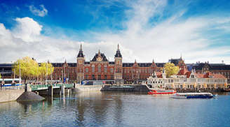 Adventure in Amsterdam-Centraal-Station