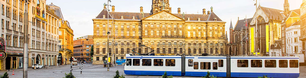 Visit the best attractions of Amsterdam