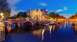 See the Stunning View of I-Amsterdam-City